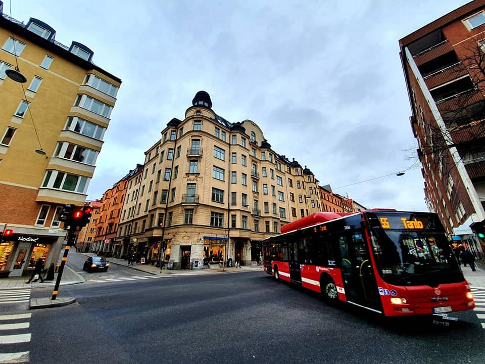 This image has an empty alt attribute; its file name is Red-Bus-Stockholm.jpg